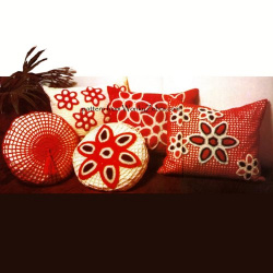 wonkyzebra_00249_a_retro_seventies_cushion_set