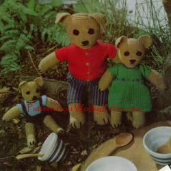 wonkyzebra_00506_a_three_teddy_bears