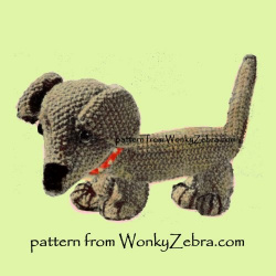 wonkyzebra_520_a_emu_knitted_dog