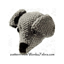 wonkyzebra_520_b_emu_knitted_dog