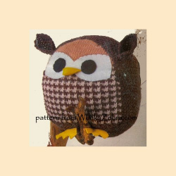 wonkyzebra_522_a_knitted_doll_owl_ball