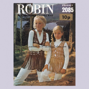 wonkyzebra_00971_d_mother_daughter_crochet_waistcoats_robin_2085_1123385531